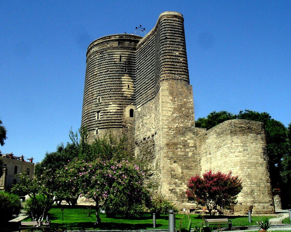 devichya-bashnya-Baku