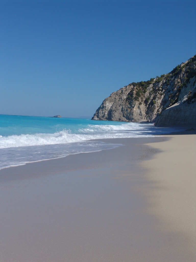 Egremni_Beach_(Lefkada,_Greece)